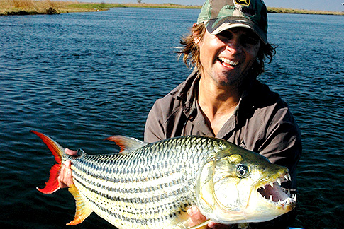 Zambia-Fishing-S2.jpg (127 KB)